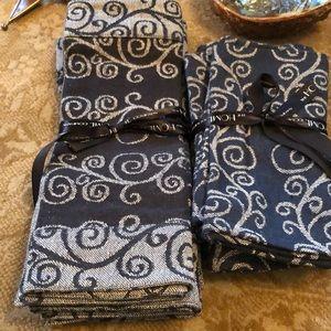 Set of 4 cotton placements with 4 cotton napkins